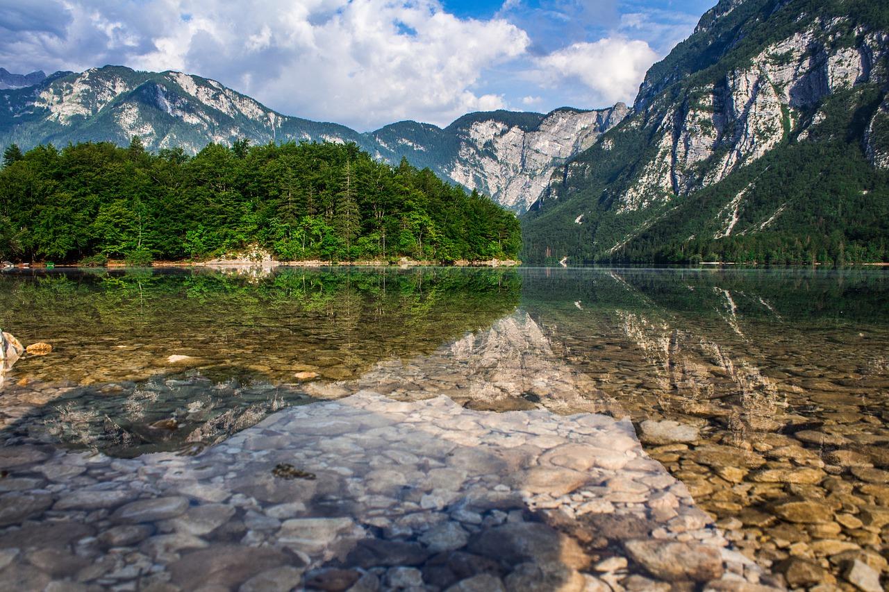 lake-3051961_1280